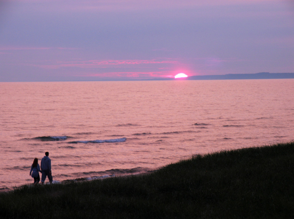 Sunset stroll along Lake Michigan in the Upper Peninsula (all photos copyright Kath Usitalo)