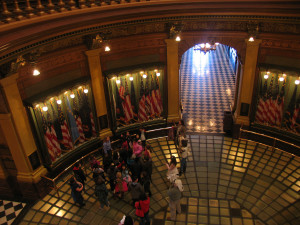 View of a tour group from the upper rotunda