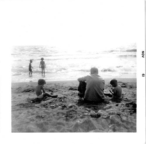 bob_kids_beach_61_12-26-103