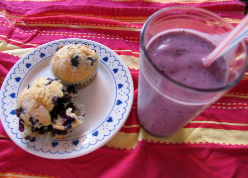 What's better than blueberry muffins and a blueberry smoothie? Blueberry muffins and a blueberry smoothie on a pressed cloth (Yikes, those wrinkles!)
